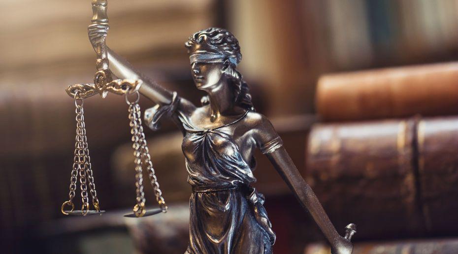Hukuk Felsefesinde Güncel Bir Kuram: Sert Pozitivizm